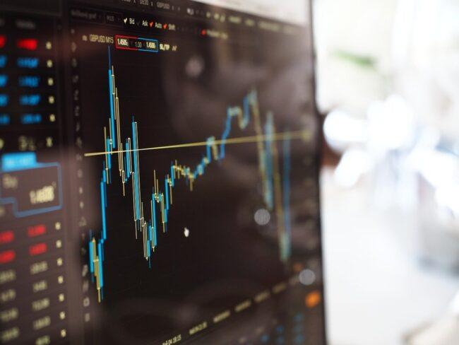 Investire in Borsa: come guadagnare e come scegliere le migliori piattaforme