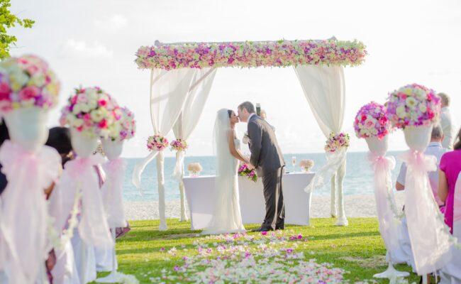 Come organizzare il matrimonio sulla spiaggia